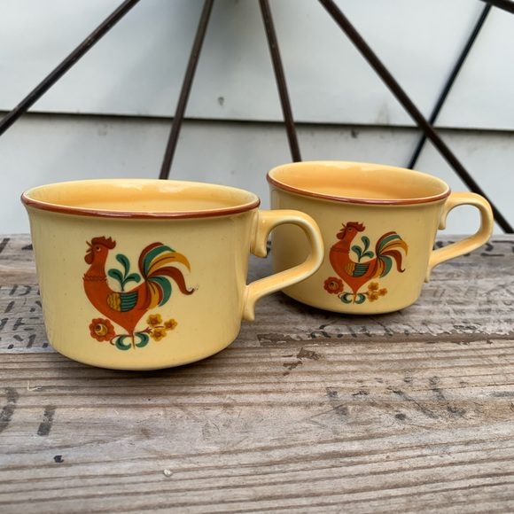 Vintage Revelle Taylor Smith Rooster coffee mugs